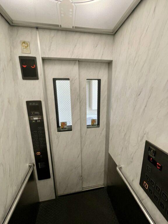 エレベーター ダイノックフィルム